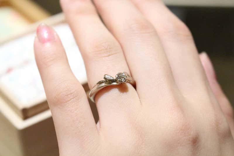 杢目金屋 婚約指輪